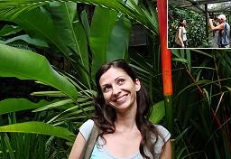 Anna in posa per una foto al Giardino del Gigante che dorme - Nadi