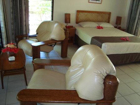 L'interno di un Premium Bure a Navini Island Resort