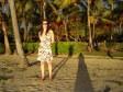 Anna sulla spiaggia di Musket Cove al tramonto