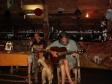 Eduardo e lo staff de La Paella Restaurant sounano per noi (Vavau - Tonga)