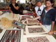 Comprando un tapa al mercato di Nuku'alofa