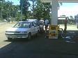 Facendosi benzina da soli a Lautoka