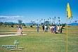 Giocando a golf al Plantation Island Resort su Malolo Lailai nelle Mamanuca