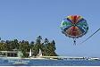 Parasailing sul Plantation Island Resort