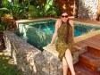 Anna davanti ad una Sunset Pool Villa a Tokoriki